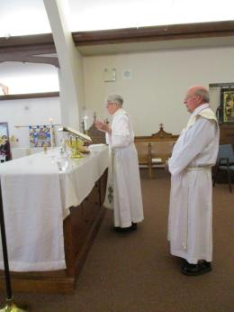 bishops.Tom.Sandra 070